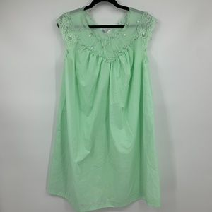 Sears nightgown medium lace dressing gown green